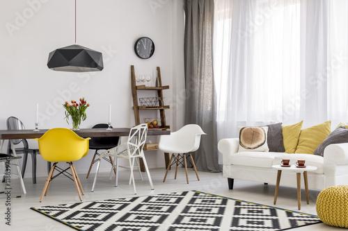 Fotografía  Following latest trends in urban interior design