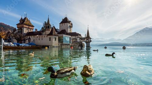 Obraz na płótnie Grodowy Oberhofen na Jeziornym Thun, Bernese Oberland, Szwajcaria
