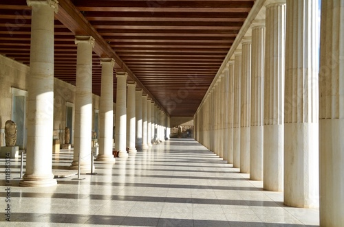 Tableau sur Toile Colonnade of the Stoa of Attalos Athens Greece