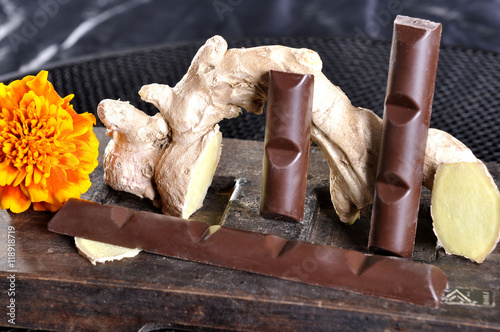 Fototapeta batoniki czekoladowe z imbirem obraz