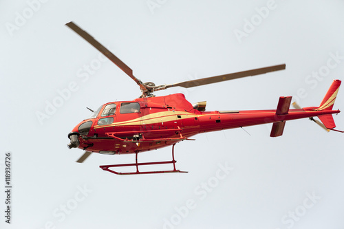 Foto op Aluminium Vliegtuig Flying Helicopter