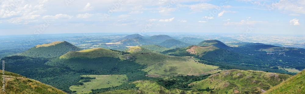 Fototapety, obrazy: panoramique de la chaine des puy