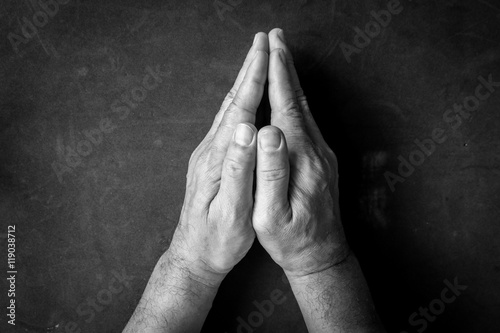 Fotografía Praying Hands - black and white tone