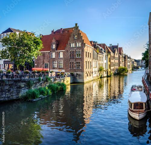 In de dag Brugge Quais de Bruges