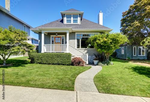 Photo  Single-family American craftsman house exterior.