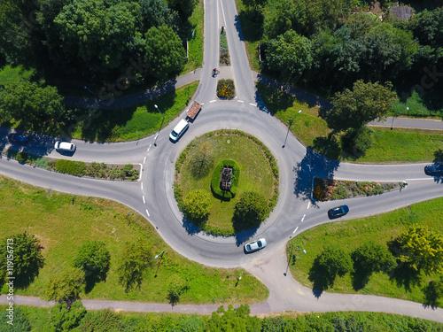 Fotografie, Obraz  Kreisverkehr aus der Vogelperspektive mit Drohne aufgenommen