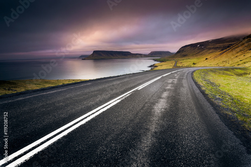 Iceland Road Canvas-taulu