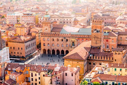 Foto Aerial cityscape view from the tower on Bologna old town center with Maggiore sq