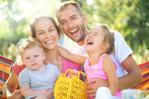 Juliste  Happy joyful young family with children