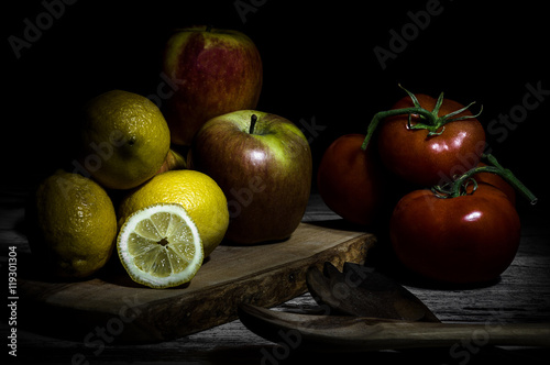 Fototapeta  Caravaggio's light in still life