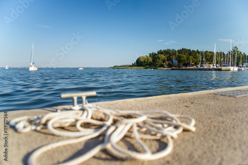 Photo  Lato nad jeziorem w porcie żeglarskim