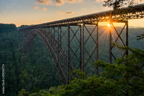 In de dag Brug Sunset at the New River Gorge Bridge in West Virginia