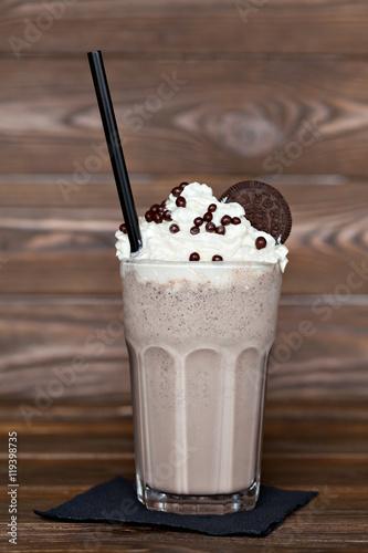 Foto op Plexiglas Milkshake milk chocolate cocktail