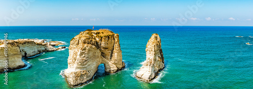 Canvas Print Pigeon Rocks in Raouche, Beirut, Lebanon.