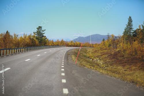Photo  Beautiful vibrant fall autumn landscape of national park near border of Finland,