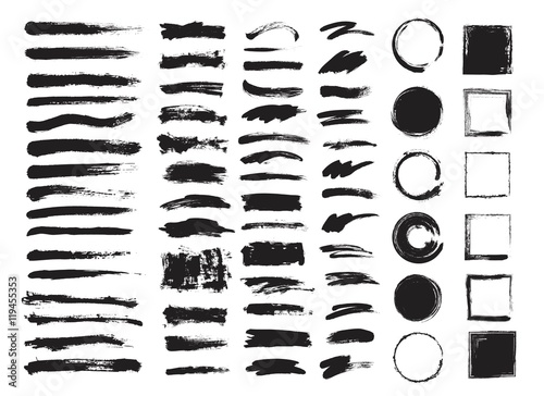 Fotografía  Set of hand drawn brushes and design elements