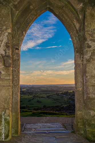 Fényképezés Views of Somerset from Glastonbury Tor monument