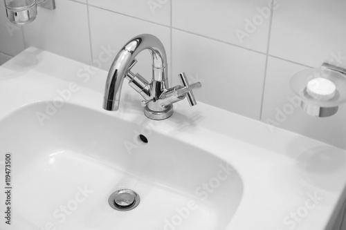 Fotografía  White Sink, Classic Faucets, Bathroom Sink, Elegant Washbasin