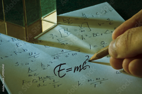 Fotomural  Albert Einstein well known physical formula, E=mc2