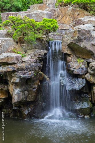 Fotografie, Obraz  Kleiner Wasserfall