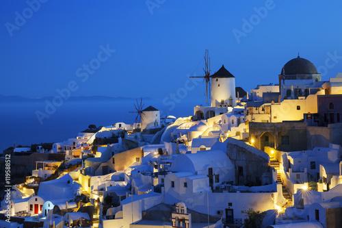 Obraz na plátne  Oia village by night