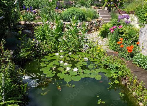 Poster de jardin Nénuphars Gartenteich; Gartenidylle, Wasser; Idylle