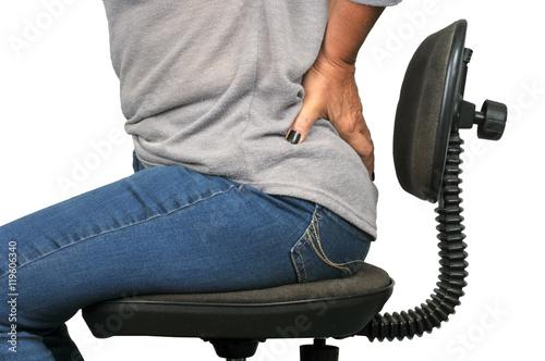 Femme Assise Sur Une Chaise De Bureau Avec Un Mal Dos