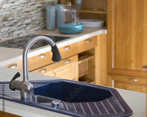 Blue Kitchen Sink And Wooden Cabinets Kaufen Sie Dieses