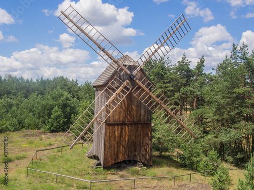 Tuinposter Molens Smock mill