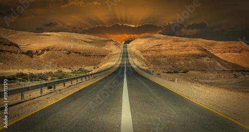 droga-w-pustyni-negew-izrael-pustynia-negewska-jest-najwieksza-w-izraelu