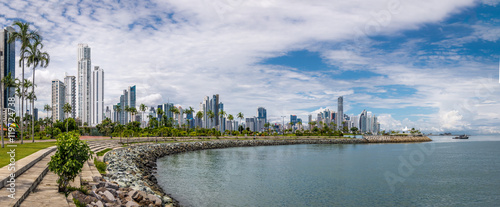 Fotografía  Panoramic view of Panama City Skyline - Panama City, Panama