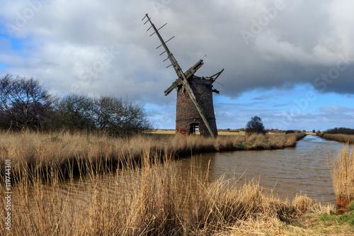 Fotobehang Molens Brograve mill windpump