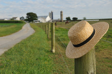 Amish Straw Hat In Lancaster P...