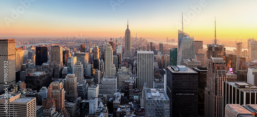 Keuken foto achterwand New York New York City. Manhattan downtown skyline with illuminated Empir