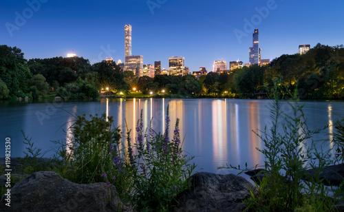 Fotografia The Lake in Central Park at twilight