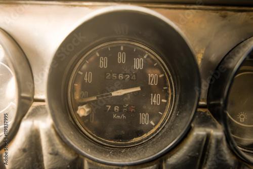 In de dag Vintage cars İbrelerrr