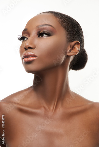 Photo  Makeup portrait of woman gazing away with neck and collar bone