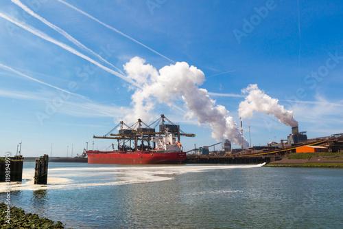 Valokuva  Steel industry in IJmuiden near Amsterdam, Netherlands