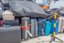 Bagages Sur Les Quais Avant Embarquement à Bord Du Ferry