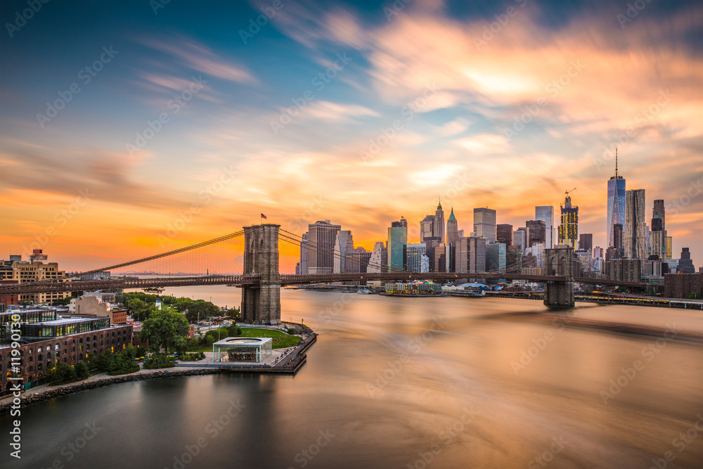 Fototapety, obrazy: New York City Skyline over the Brooklyn Bridge.