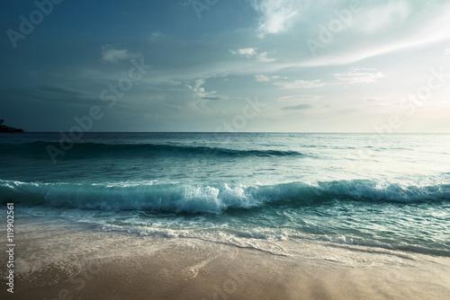 Poster Zee / Oceaan sunset on Seychelles beach