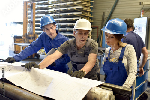 Apprenticeship in metallurgy workshop