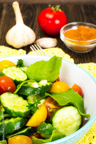 Poster Fleur Salad with Arugula, Tomato, Cucumber and Garlic