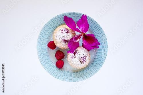 Photo  Muffiny malinowe na białym tle