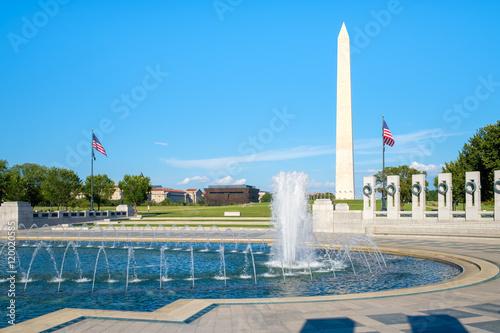 Fototapeta The Washington Monument and the World War Two memorial in Washington D.C. obraz