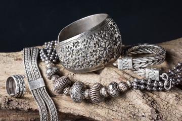 traditional silver jewelry ...