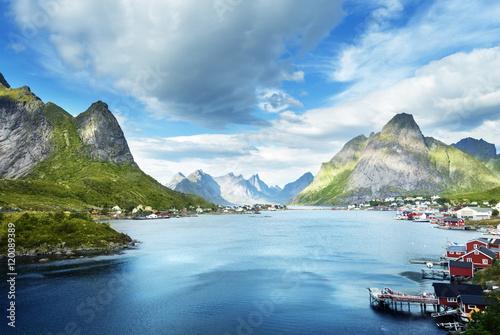 Poster Scandinavie summer day, Reine Village, Lofoten Islands, Norway