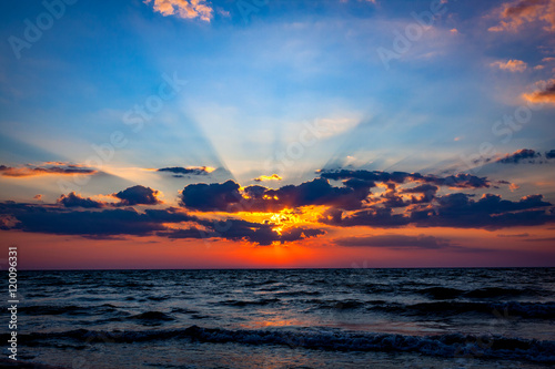 фотография  nice sunset sky over sea