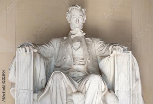 Fotografia  Statue of Abraham Lincoln at the Lincoln Memorial in Washington