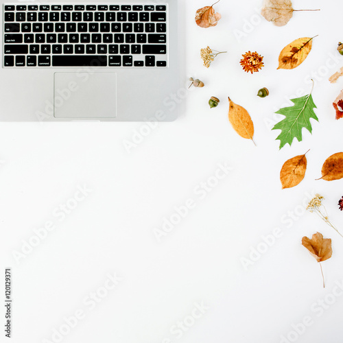 Fotografering  autumn fall flat lay, top view home office desk